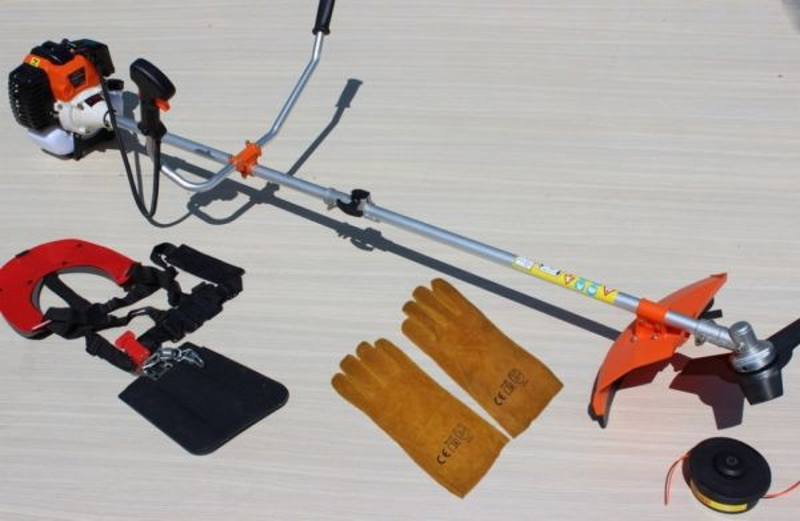 Мощна Моторна коса - 52 куб.см - 1.8 kW с цял прът, корда - тризъб нож - професионален самар | Rudimpex.com